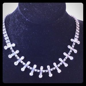 Beauty of a crystal necklace, measure 17""